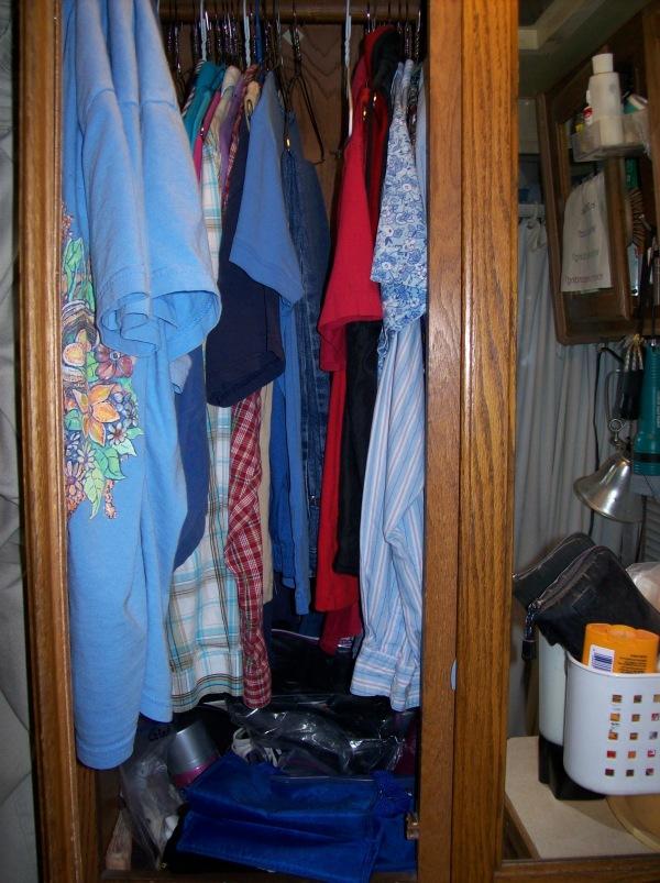 20090512 RV Closet 004